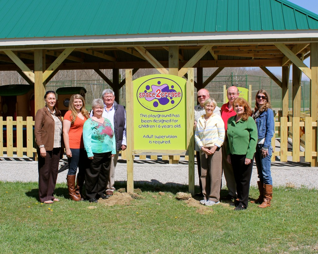 Rockcastle County Development Board Executive Committee.  I would like this photo included on the home page.  From left to right:  Tammy Cox, Courtney Hale, Kathy Robinson, Tom Mills, Carl Swanigan, Martha Cox, Stanley Cook, Lynn Tatum, Greta Tompkins